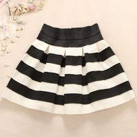 A 091205 Black And White Striped Waist Tutu Skirt