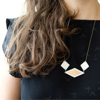 E a n n a - Geometric necklace - Unglazed white porcelain & matt fine gold - Goldfilled chain - EleÏa Collection