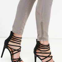 Invites Queen Black Caged Heels