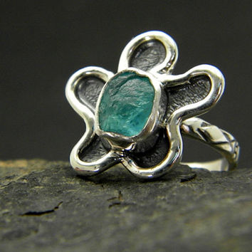 Apatite flower ring sterling silver oxidized rough stone jewelry, raw ocean blue apatite ring size  7.5