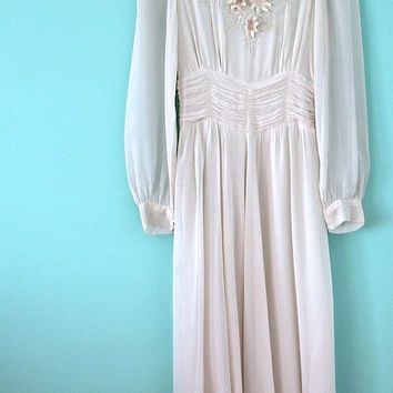 1930s 1940s Wedding Dress / Vintage White Silk Soustache Flower Appliqué Embroidery  / 30s 40s