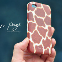 iphone 4 case , iphone 4s case , case for Iphone 4 Blackberry mobile Case handmade: Giraffe fur(not real fur)