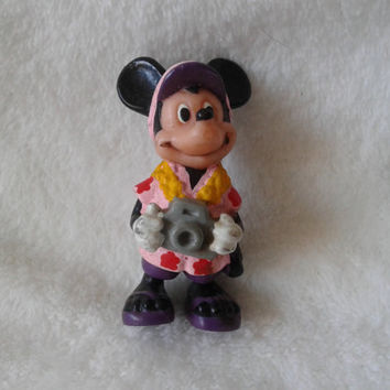 Vintage Walt Disney Applause Tourist Mickey Mouse  pvc  miniature figure