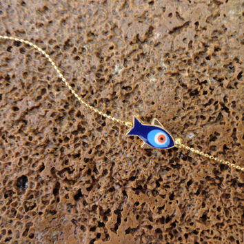 Evil eye bracelet with a blue fish design, evil eye jewelry, fish jewelry, best friend birthday, gifts for women, turkish jewelry, turkey,