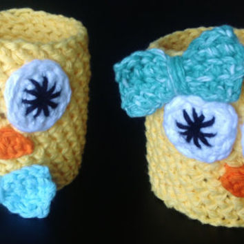 Easter Baby Chick Cup Cozy!  Boy with Bow Tie or Girl With Hair Bow - Crochet Cup Cozy - Kids Cozies - Check Out Our Shop for More Animals!