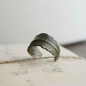 Athena Feather Ring - Bronze