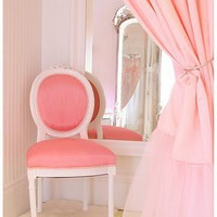 â?¢ make up tables and chairs on we heart it / visual bookmark #25230992