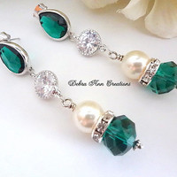 Emerald Crystal Swarovski Cream Pearl Earrings,Green Bridesmaid Earrings,Pearl and Emerald Wedding Jewelry,Mother of Bride/Groom Gift,Formal