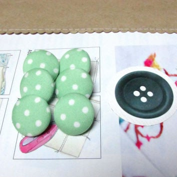 Fabric Buttons - 6 Medium Buttons - Green Fabric Covered Buttons - Polka Dot Sew Buttons - Green Sewing Buttons - Pin Up - Pastel green