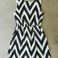 Black & White Cinched Chevron Dress [4038] - $46.00 : Vintage Inspired Clothing & Affordable Dresses, deloom | Modern. Vintage. Crafted.