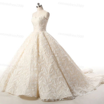 Vintage Lace Wedding Dress Handmade Beige Champagne Wedding Gowns Formal Bridal Gown Princess Luxury Puffy Feather Lace  Dress For Wedding