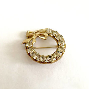 Vintage Gold Toned Circle Pin with Bow Accent and 11 Sparkling, Clear CZ's Rhinestones, Mothers Day Gift, Lapel Pin Brooch