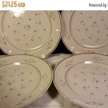 Sale Clearance Newcor Candlelight Stoneware Dinner Plates Set of 4 Vintage Japan Gray White Flowers Replacement Newcor # 648 Wedding Gift Ta
