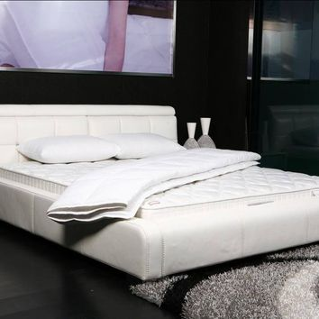 DaDa Bedding Basic Solid White Ultra Extra Comfort Bed Top Mattress Quilted Cover Padding - 1-Piece