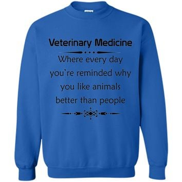 Veterinary Medicine Veterinarian Gift Graphic T Shirt
