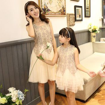 DCCKWQA 2016 family look dress matching mother daughter dresses clothes mom and daughter dress princess wedding dress mommy and me