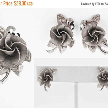 ON SALE Vintage Rolyn Inc. Sterling Silver Rose Clip Earrings, 3D, Leaves, Leaf, Floral, Textured, Repousse, Valentines Day, Lovely! #b811