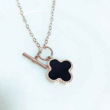 Cartier fashion simple classic black and white cloverleaf pendant necklace female clavicular chain