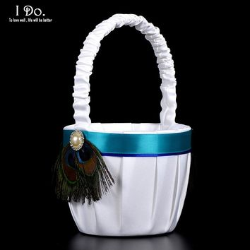 NEW:  Peacock Feather White Wedding Basket Flower Girl Basket Wedding Supplies Wedding Accessories Decoration Cesta Boda