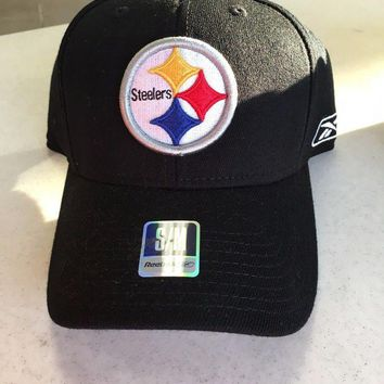 ONETOW BRAND NEW PITTSBURGH STEELERS REEBOK CURVED BRIM SMALL/MEDIUM FITTED HAT