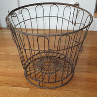 Metal Clam Basket - Rustic Metal Wire, Harvest Bucket, Egg Bucket, Primitive Design, Magazine Holder, Home Accessory, Towel Storage