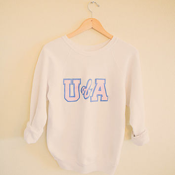 Vintage U of A  Sweatshirt Hipster  White With Blue & Pink Women's Small  Oversized University College Old School Sweatshirt