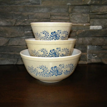 Pyrex, Homestead Nesting Mixing Bowls-Speckled Beige Background with Blue Swirl Pattern-Set of 3, 401, 402, 403-1976