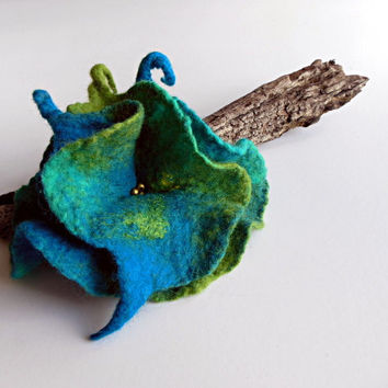 Felted flower brooch  hand felted brooch turquoise green OOAK flower