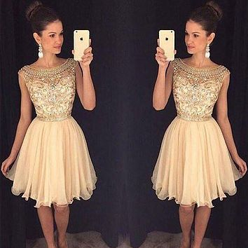 2017 Champagne Sparkly Short Prom Cocktail Dresses Cute Beaded A-line Knee Length Bling Cocktail Party Dresses Robe De Cocktail
