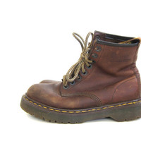 vintage brown oiled leather heavy duty chunky Air wair cushion soles Doc Martens ankle boots // size UK 5 / US 7