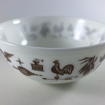 Vintage Pyrex Early American Mixing Bowl Milk Glass White Bowl Brown Rooster Eagle 404 4 Qt Big Rare 4 Quart Bowl