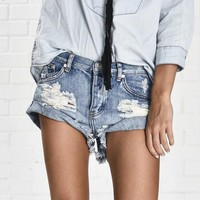 Vintage ripped hole fringe denim thong shorts women sexy pocket one teaspoon jeans shorts 2017 summer girl hot denim booty short