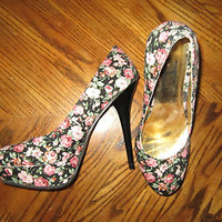 FH Floral Print Round Closed Toe High Heel Stiletto Platform Size 8 FREE SHIP