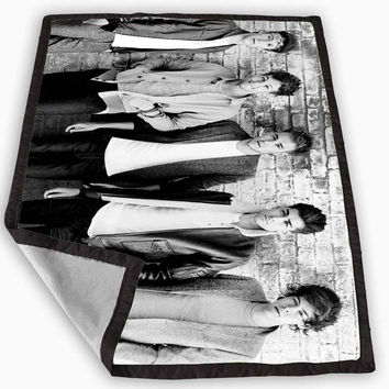 one direction Classic Blanket for Kids Blanket, Fleece Blanket Cute and Awesome Blanket for your bedding, Blanket fleece *