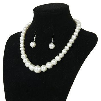 Single strand pearl necklace set