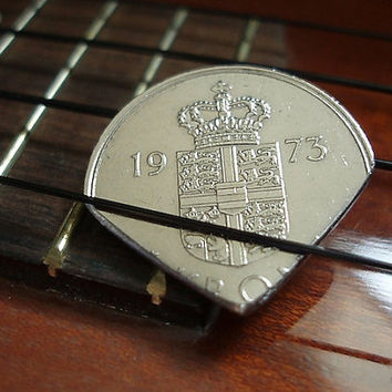 Guitar Pick - World Coin Guitar Pick - 1970s Denmark 1 Krone