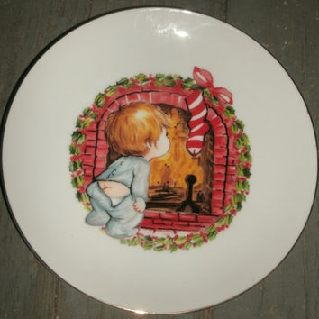 """Vintage Christmas plate. Vintage 1982 collectible Jasco,  little boy and fireplace, Jasco Christmas plate, 6 1/2"""", gold trim"""