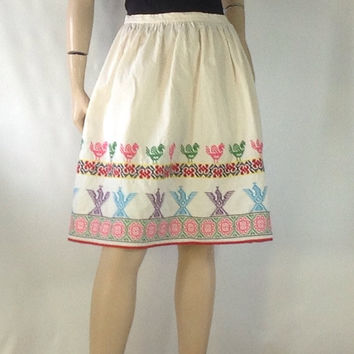 Vintage Folk Embroidered Skirt / Thunderbird Native American Tribal Hippie Boho Skirt Mini Skirt / Dirndl Skirt m medium 28
