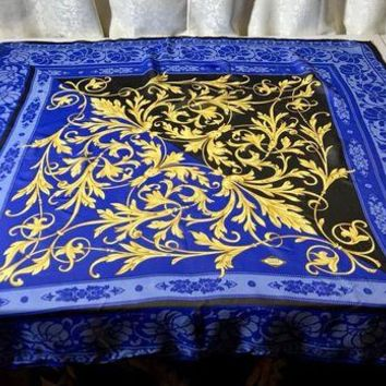VONE7JZ Versace Atelier Gold Fleurs Black and Blue Silk Scarf Square 34'x 34' Ex Condn