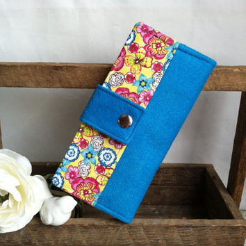 Bright floral wool felt, handmade womens wallet, bifold wallet, credit card wallet, bill slots, coin wallet