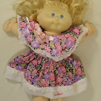 Cabbage Patch 10A(3) * 10th Aniversary Edition Baby Doll Plastic Fabric -- Good