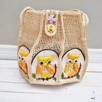 Owl Song - Vintage 60s Straw Weaved Owl embroidered Purse Bag