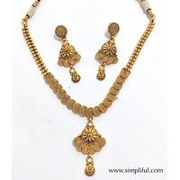 Spiral Traditional necklace and earring set