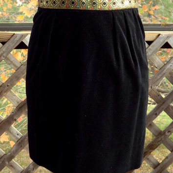Black Skirt, Black Velvet Skirt, Black Mini Skirt, 1960s Short Skirt, Christmas party Skirt, Holiday Skirt, LANZ OF SALZBURG, Size 7 Small