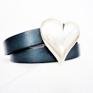Women wrap leather bracelet with silver plated heart magnet clasp, blue bracelet