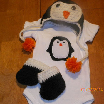 Penguin baby shower gift set- penguin-crochet-baby-shower-infant