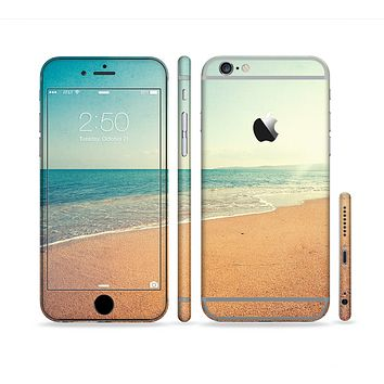 The Vintage Beach Scene Sectioned Skin Series for the Apple iPhone 6 Plus