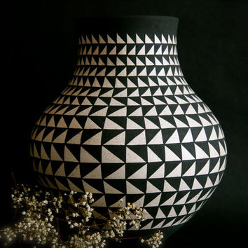 Dancing Triangles Vase/ Southwestern Style Vase/ Black and White Pottery/ Geometric Vase/ Bonnie Hanna Clay/ Rustic Pottery/ Abstract Vase