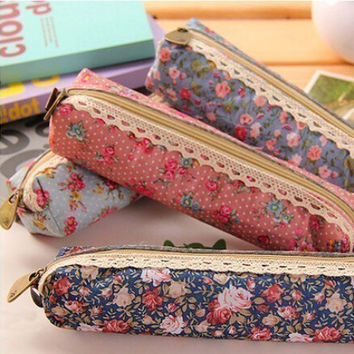 1pcs Free shipping HOT Sale Fresh Style Lace Fringe Little Flowers Multi-Function Zipper Pencil Holder Bag Gift Stationery