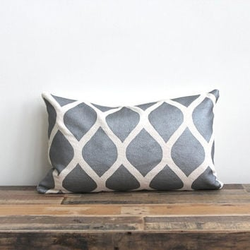 Aya metallic silver & off-white handprinted organic hemp lumbar pillow cover 12x21